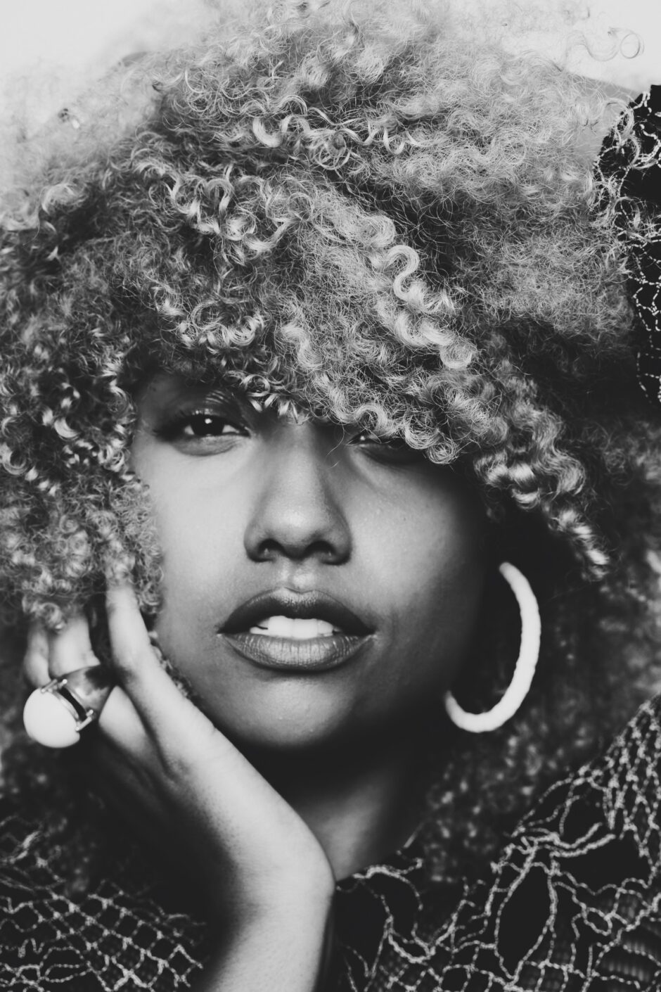 kenisha gill photography-melissa goodwin-live clothes miinded-wear who you are-black and white portrait-fd photo studio